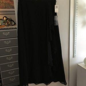 Elegant Black Ruffle Maxi Skirt Size 16 NWT